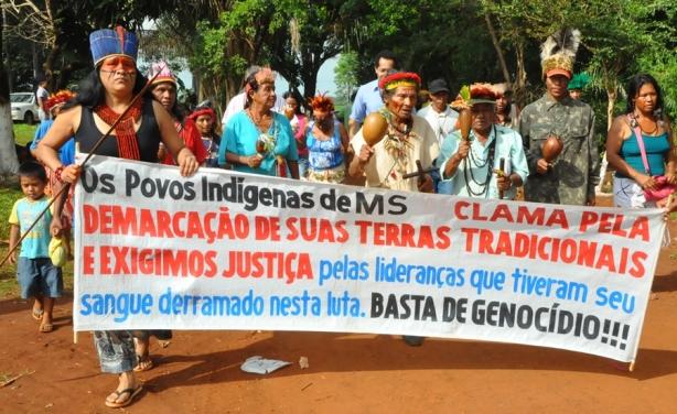 Os conflitos fundiários, como aqueles que ocorrem nas terras indígenas, podem ser mais facilmente compreendidos pelos alunos a partir da compreensão do conceito de território